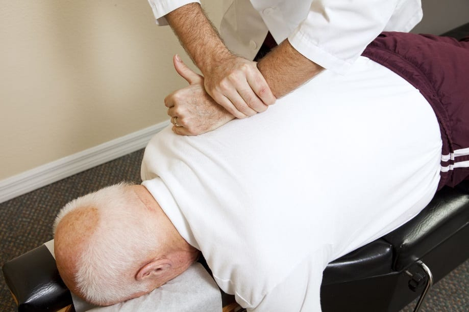 Enjoy Many Health Benefits by Visiting a Trusted Chiropractor Today