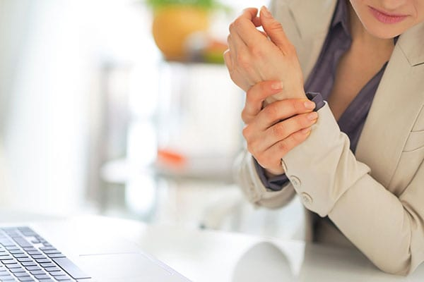 Common Workplace Injuries Helped by Chiropractic Care